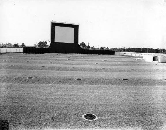 Hillsboro Drive-In Theatre, Tampa FL