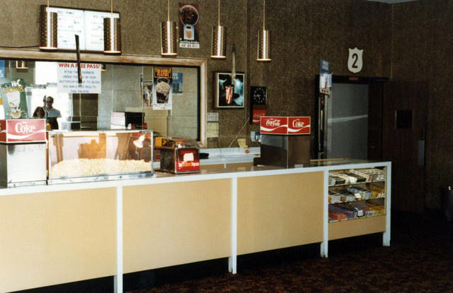 Town & Country Twin Concession Stand (1982)