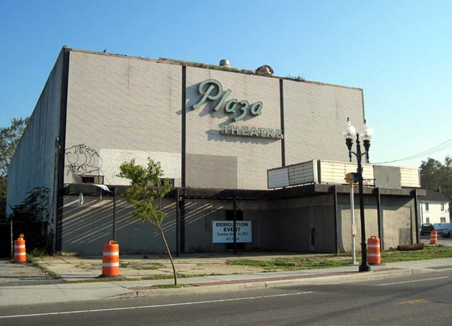 Plaza Theatre Hours Before Demolition