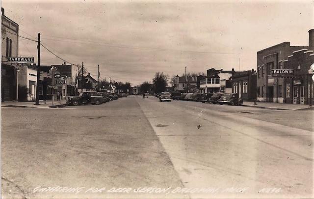 Early `40s postcard courtesy of Linda Carol Siciliano.