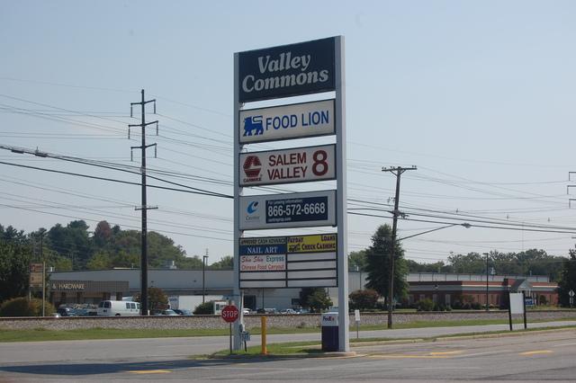 AMC Classic Salem Valley 8