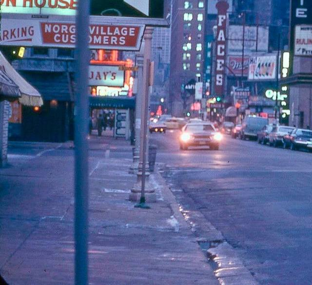 10/20/72-12/07/72 photo courtesy of the Chicago's Extinct Businesses Facebook page.