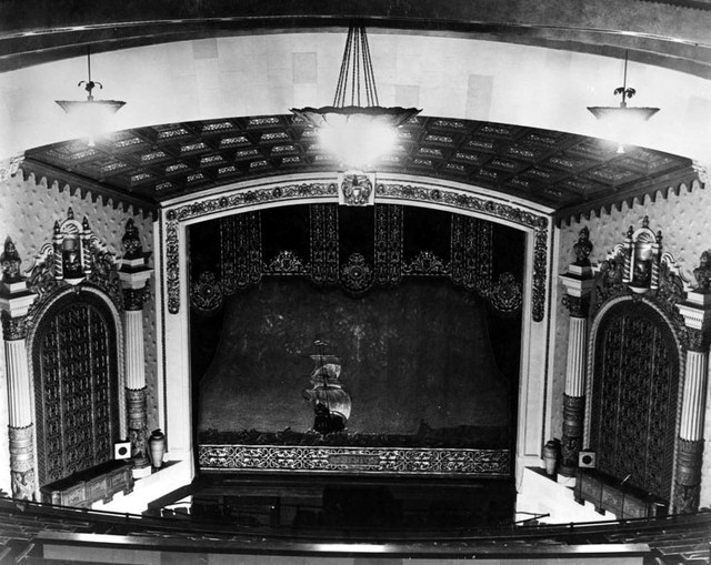 Fox Peninsula Theatre proscenium