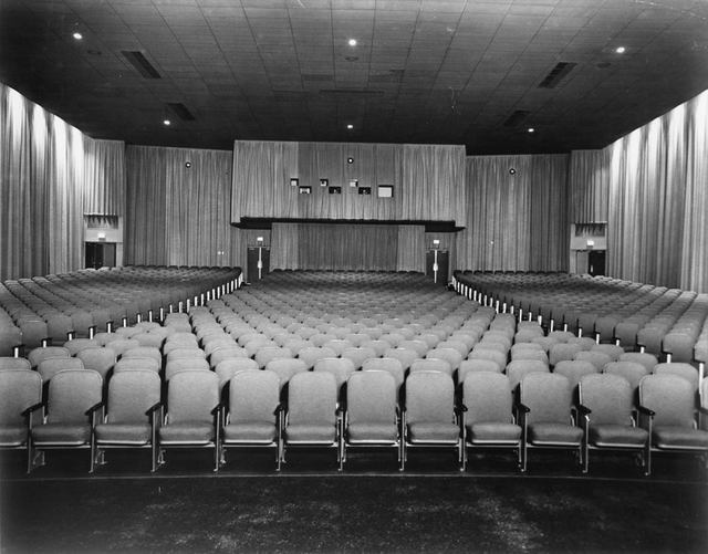 Loews East Brunswick - Auditorium