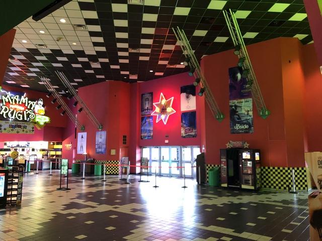 Cinemark Hollywood Usa Movies 15 In Garland Tx Cinema Treasures