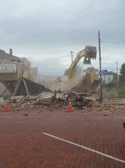8/12/17 demolition photo credit Leigh Anne Isbell‎