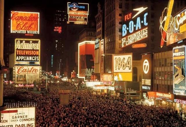 1964 photo via Bob Greenhouse.