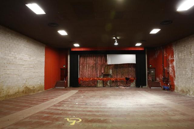 Loew's Southland Mall auditorium