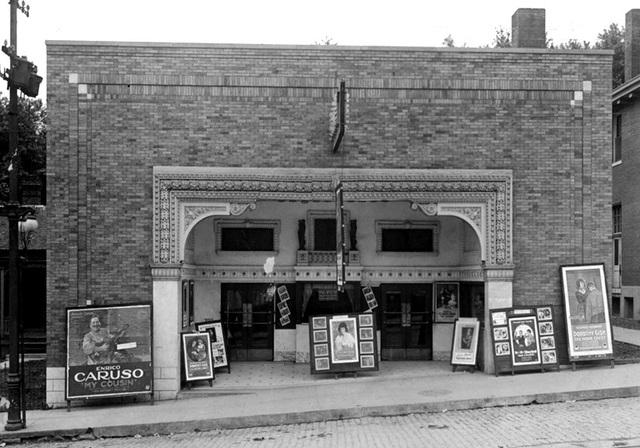 Fox Cape Theatre