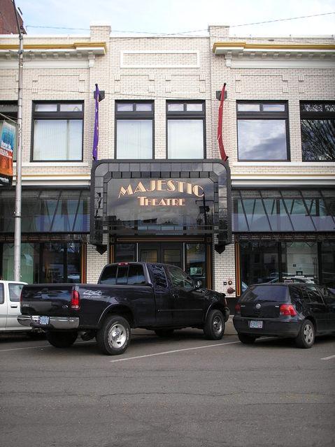 facade center