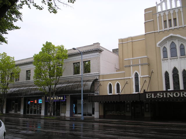 Capitol commercial block, with Elsinore Theatre
