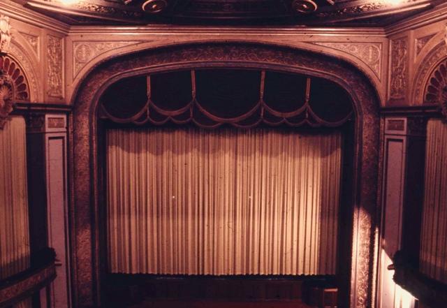 METRO THEATER  ( Later The Mayfair ) 167 Collins Street, Melbourne, Vic – Australia  -  Proscenium