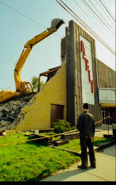 Demolition of Dabel Theater