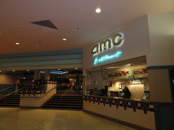 Dec 03,  · Like most AMC Loews, Crestwood runs the most recent mainstream movies. After a recent rehab, the lobby and theaters look great, but all that glitters isn't gold. The theater is poorly run.3/5(48).