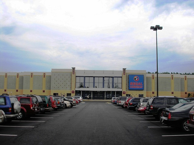 Regal Manassas Stadium Cinema