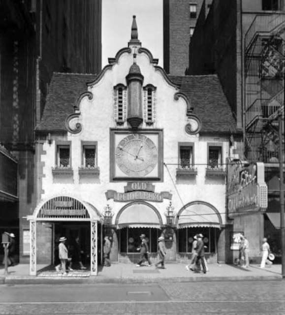 1930s as Eitel's Old Heidelburg Inn, via Kj Rink.