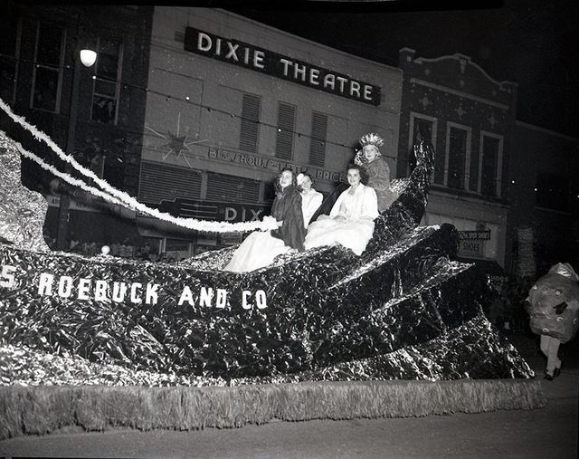 1950 Christmas Parade photo credit Chattanooga History Center.