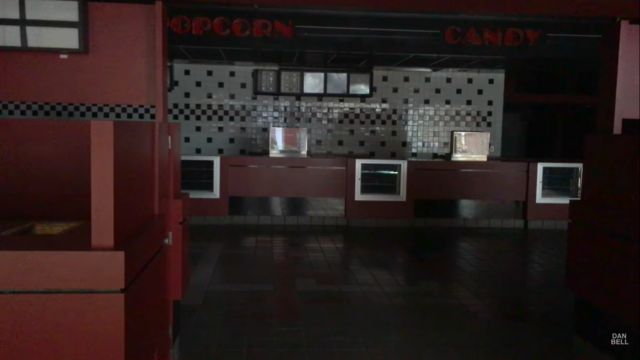 Regal Oak Hollow Mall Cinema 7
