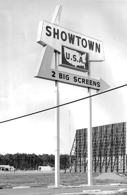 Showtown Twin Drive-In