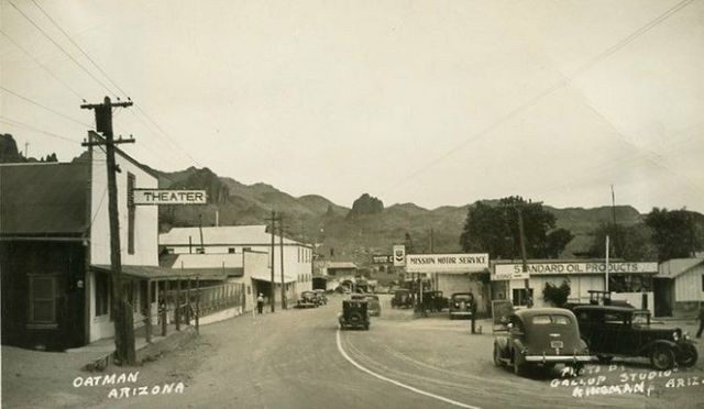 Late 1930s postcard courtesy Route 66 Postcards Facebook page.