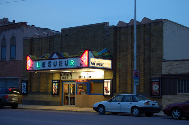 Le Seuer Theater (Le Sueur, MN)