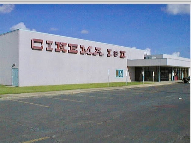 Enterior of the Gateway Cinema I & II 1999
