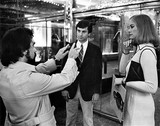"""Martin Scorsese directs Robert De Niro and Cybill Shepherd in front of the Lyric Theatre in 1975. Filming of """"Taxi Driver""""."""