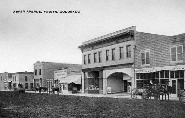 1910 postcard credit Historical Photos of Fruita & Western Colorado.