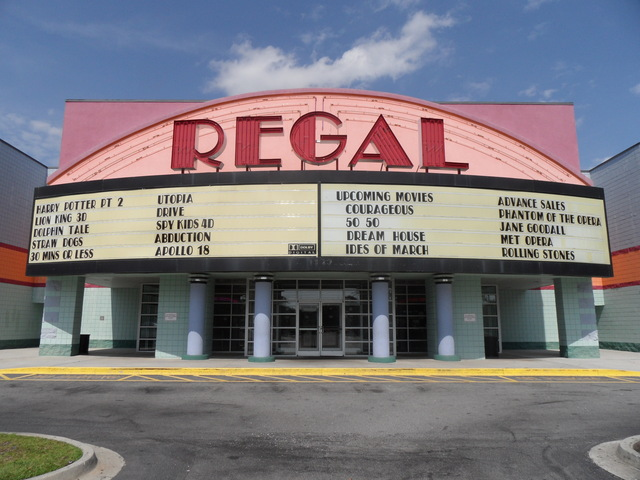 Regal Savannah Stadium 10