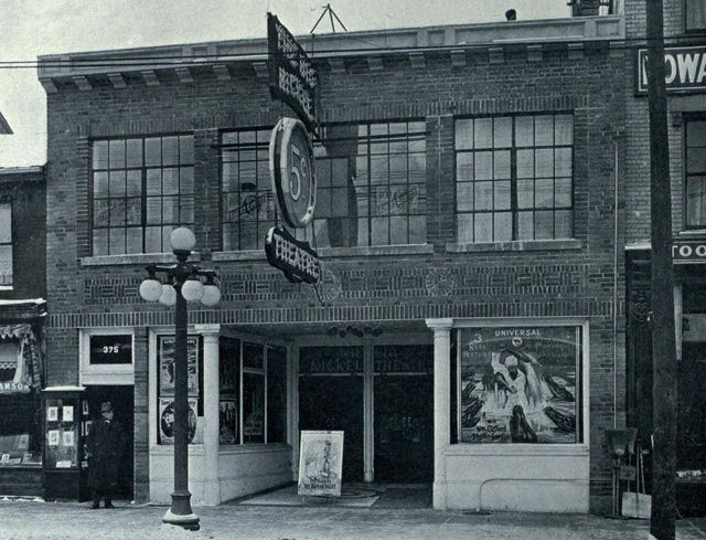 Big Nickel Theatre, 1913