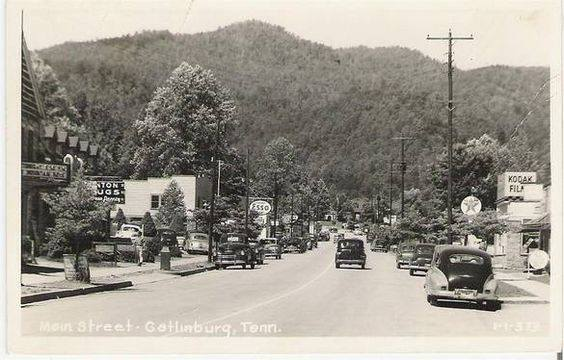 Cherokee marquee far left, 1949 postcard courtesy Tennessee Good Old Days Facebook page.