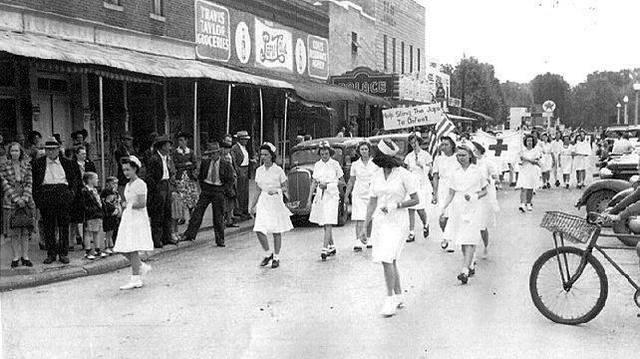 Crisper version of World War ll Parade, courtesy Tennessee Good Old Days.