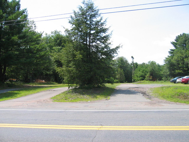 Entrance to Rock Hill Drive-In, June 2006