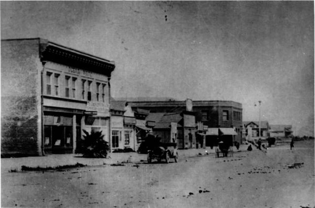 Circa 1910 photo.