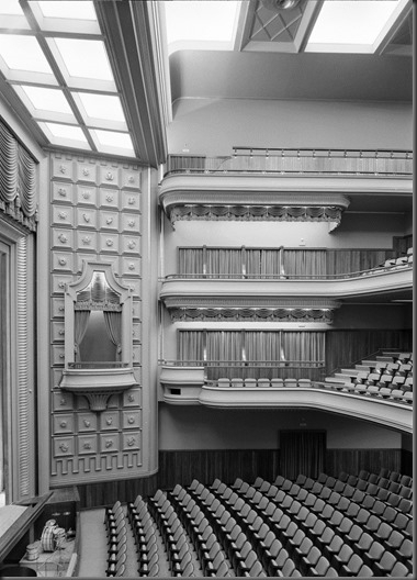 Monumental Cinema Teatro & Satellite