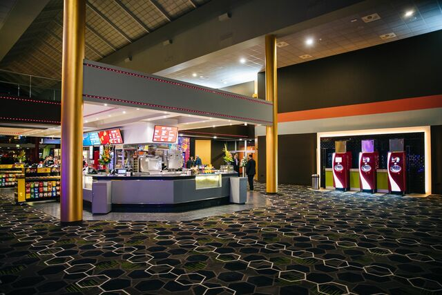 Foyer Showcase Cinema de Lux Paisley