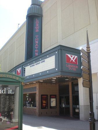 AMC Loews Gardens Cinemas at Old Orchard 7-13