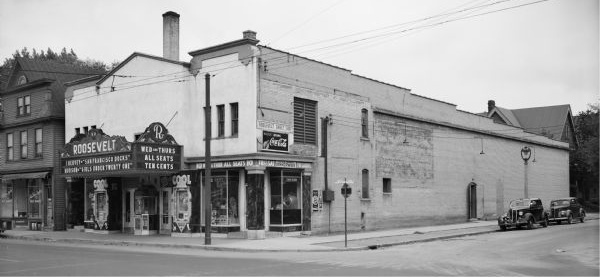 ROOSEVELT (Bell, Iris, Lyceum) Theatre, Milwaukee, Wisconsin.