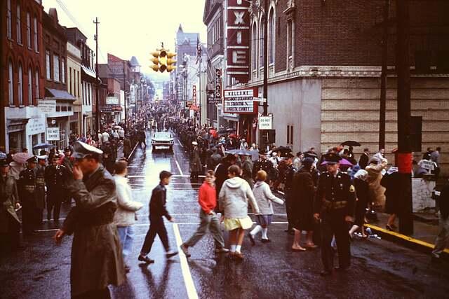 1960 photo and description credit Dale Brumfield.