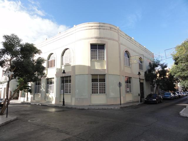Antiguo Teatro Rivoli en la Calle Sol esq. Calle Leon en Ponce, PR