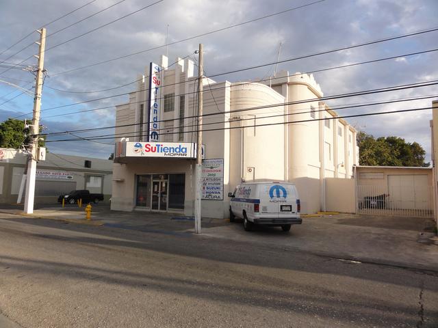 Antiguo Teatro Hollywood en la Calle Villa esq. Calle Esperanza, Barrio Primero, Ponce, Puerto Rico