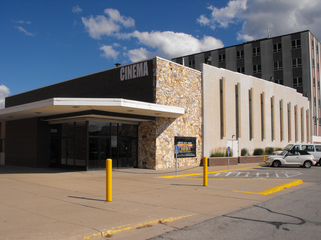 Merle Hay Mall Cinema (Formerly Plaza III), Des Moines, IA