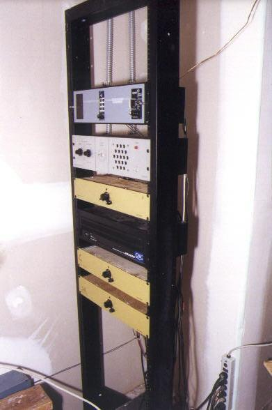 House 6 sound rack
