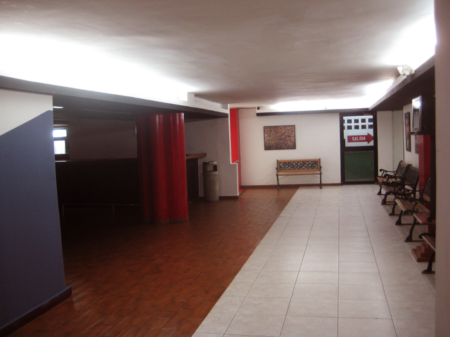 Alhambra theatre - Vía España (2nd floor hallway)