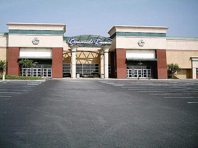Carmike Crossroads 16