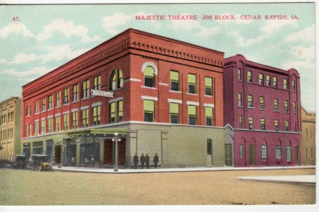 Majestic Theatre 3rd St & A Ave NE