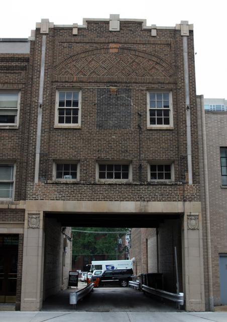 Covent Theatre, Chicago, IL - remaining facade (2)