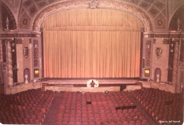 Walker Theatre proscenium, stage and Weiss at the Wurlitzer