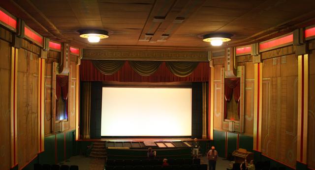 Lorraine Theatre, Hoopeston, IL - auditorium