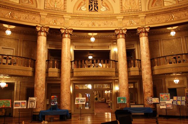 Rialto Square Theatre, Joliet, IL - rotunda/lobby